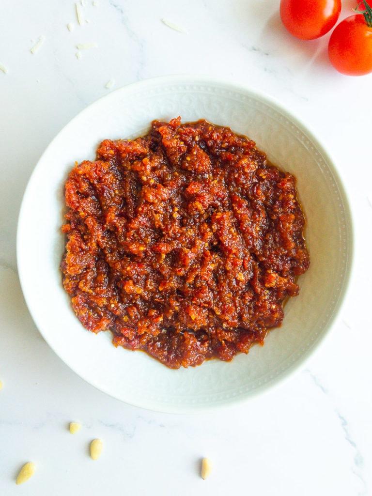 sun-dried tomato pesto from above
