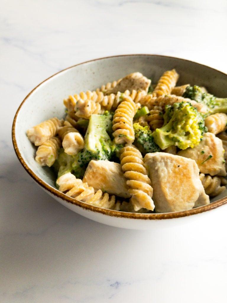 healthy chicken broccoli Alfredo in a bowl